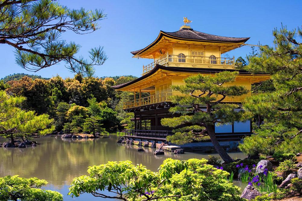 Золотой павильон храма  Кинкаку-дзи, Япония