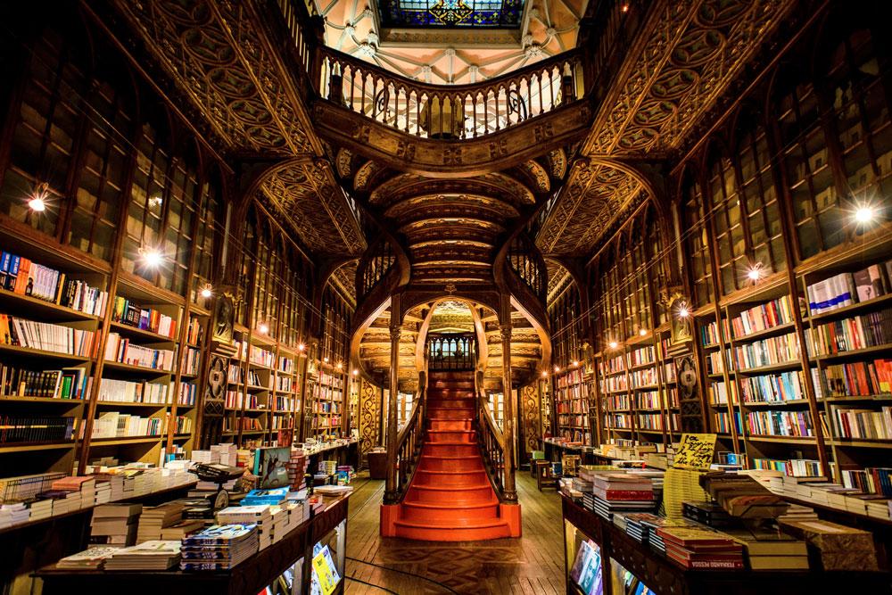 Книжный  магазин Livraria Lello, Порту