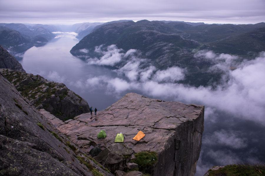 Ночевка на утесе Прекестулен (Prekestolen). Тур Евгения Андросова в Норвегию